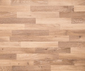 red vs white oak flooring