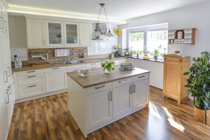 What Should You Look for in Kitchen Flooring?